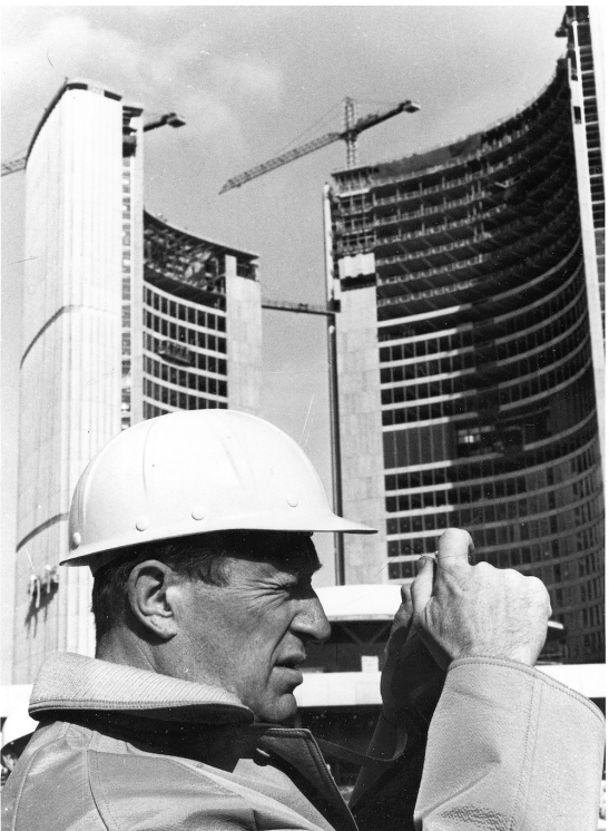 Finnish Architect Viljo Revell (1910-1964) at the New City Hall construction site in 1964. Didrichsen Art Museum.