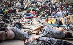 Cycle Toronto die-in, June 2015. Jesse Milns.